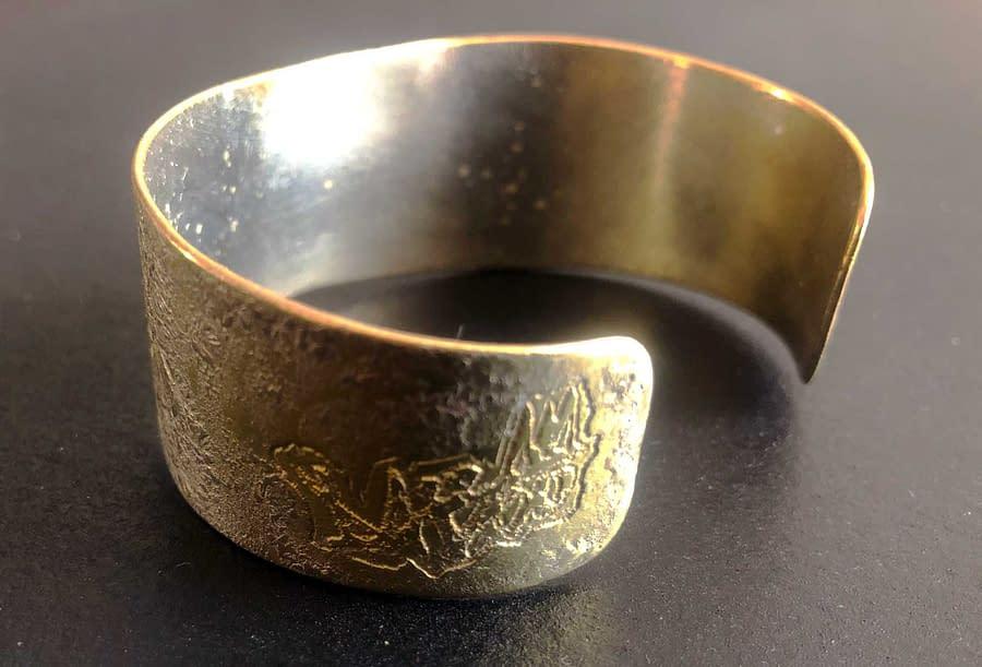 bracelet cicrles side
